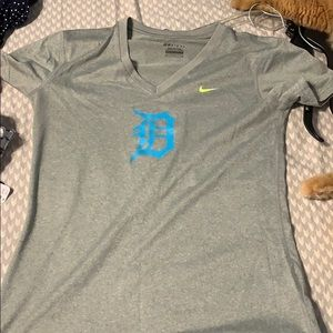 Nike dri fit shirt like new